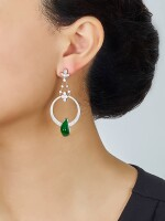 PAIR OF JADEITE AND DIAMOND PENDENT EARRINGS | 天然翡翠 配 鑽石 吊耳環一對