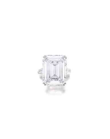 View 2. Thumbnail of Lot 1638. AN IMPRESSIVE DIAMOND RING, MOUNT BY VAN CLEEF & ARPELS | 非常壯觀 16.38卡拉 方形 D色 全美無瑕(FL)Type IIa 鑽石戒指, 梵克雅寶戒台.