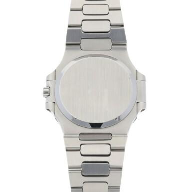 View 4. Thumbnail of Lot 68. 'Jumbo' Nautilus, Ref. 3700/1 Stainless steel wristwatch with date, bracelet and cork presentation case Made in 1976 | 百達翡麗 3700/1型號「'Jumbo' Nautilus」精鋼鍊帶腕錶備日期顯示,附軟木錶盒,1976年製.