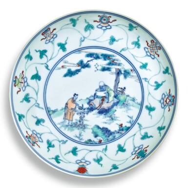 View 1. Thumbnail of Lot 146. A fine and rare doucai 'immortals' dish, Qing dynasty, Kangxi / Yongzheng period | 清康熙 / 雍正 鬥彩壽老觀卷圖盤.