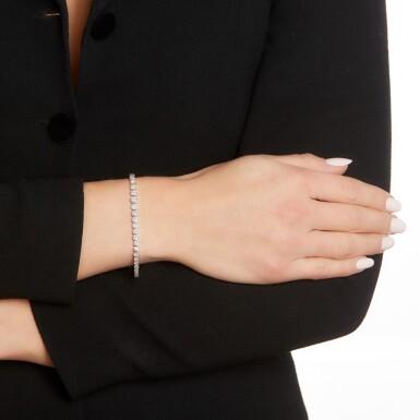 View 4. Thumbnail of Lot 98. Diamond bracelet.