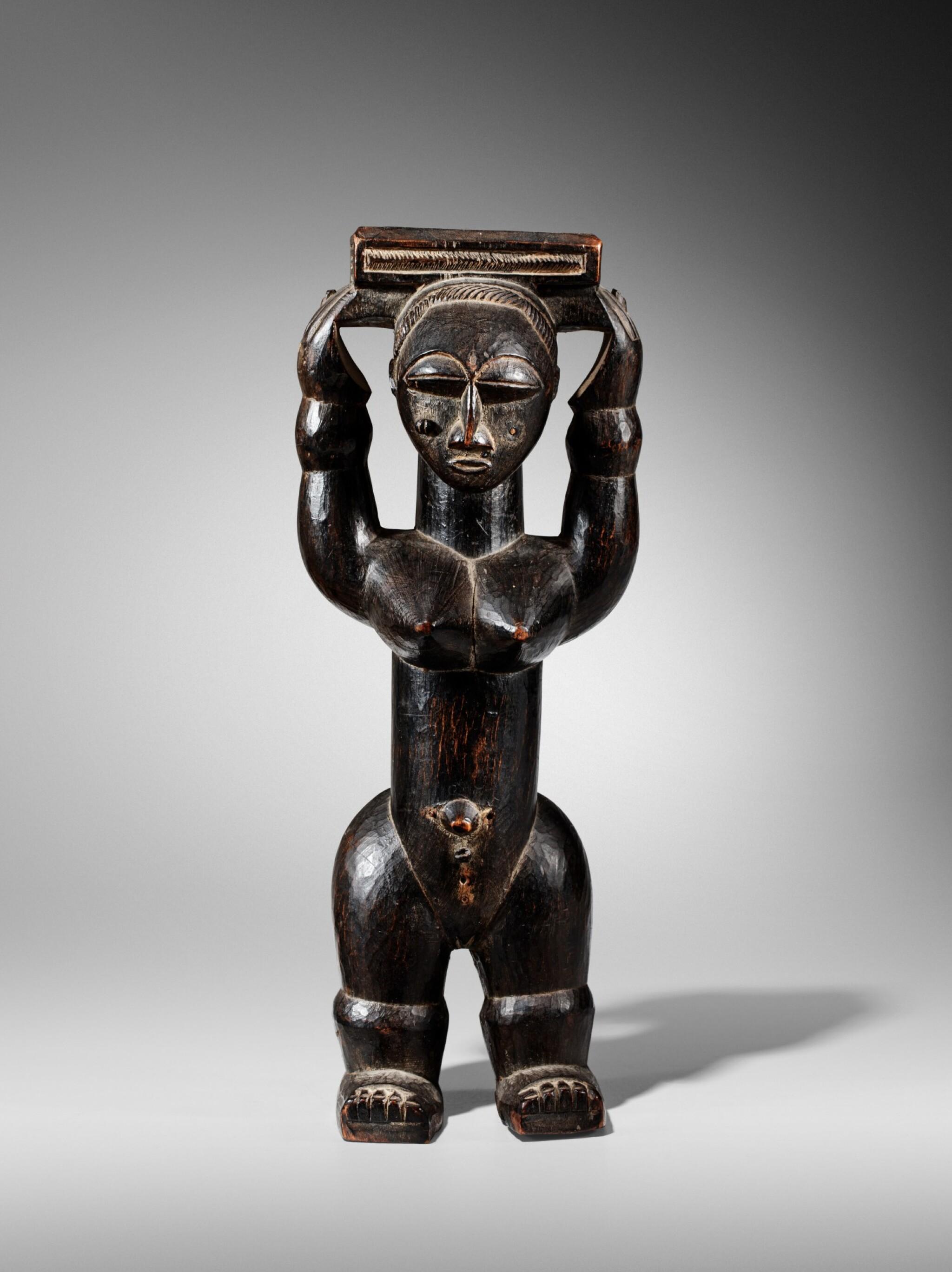 View full screen - View 1 of Lot 100. Statue, Gwa / Attié, Côte d'Ivoire   Gwa / Attie figure, Côte d'Ivoire.