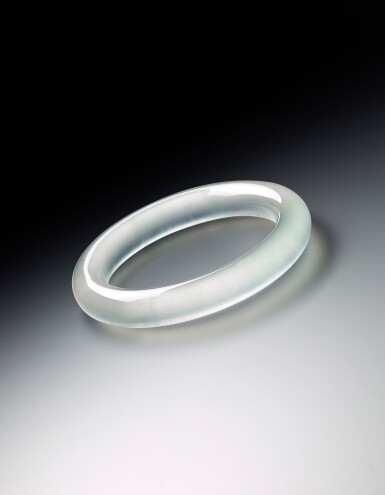 View 3. Thumbnail of Lot 1623. GLASSY JADEITE BANGLE | 天然玻璃種翡翠手鐲.