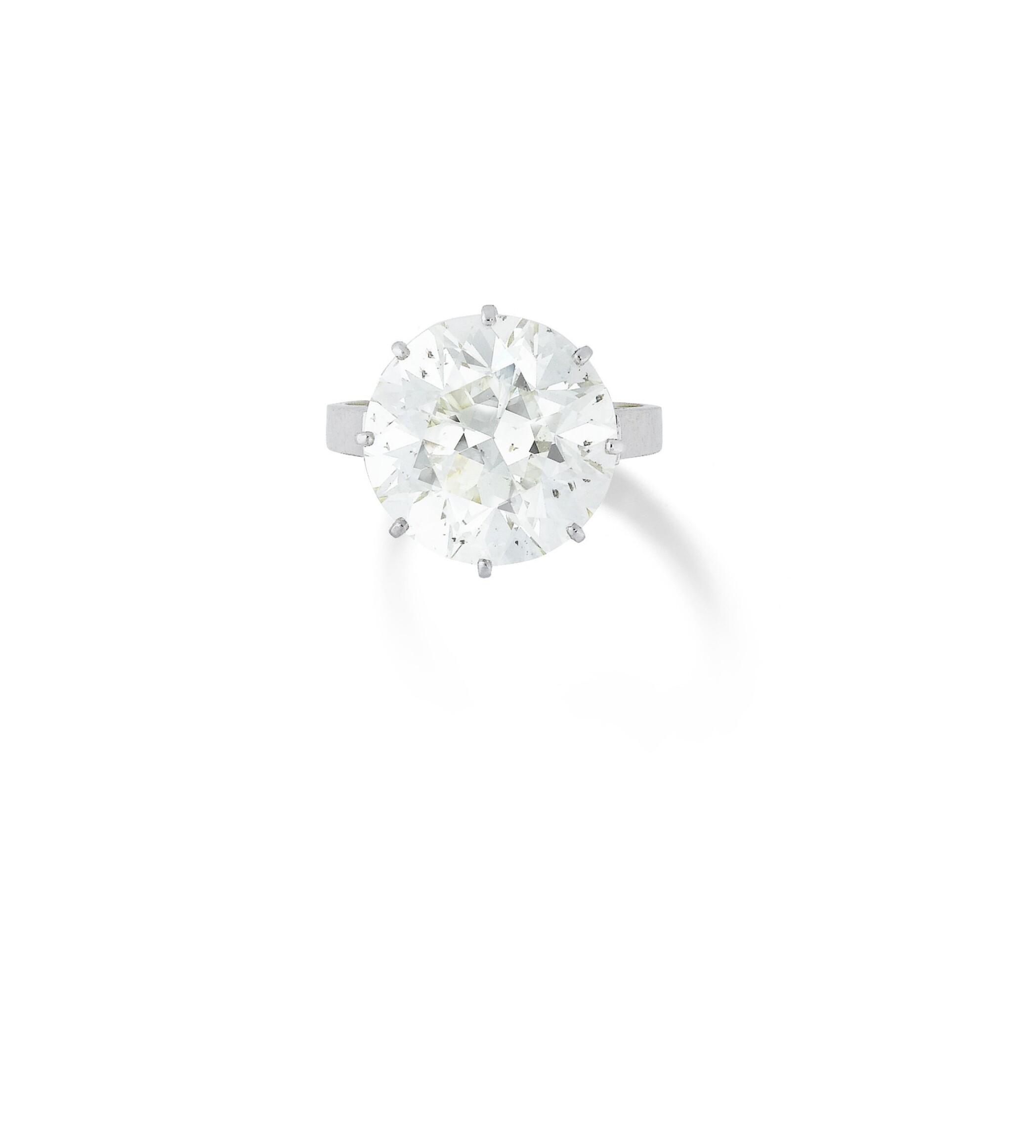 View full screen - View 1 of Lot 27. BAGUE DIAMANT    DIAMOND RING.