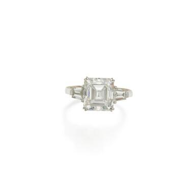 View 1. Thumbnail of Lot 463. Diamond Ring.