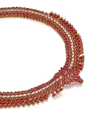 RUBY AND DIAMOND NECKLACE   紅寶石 配 鑽石 項鏈
