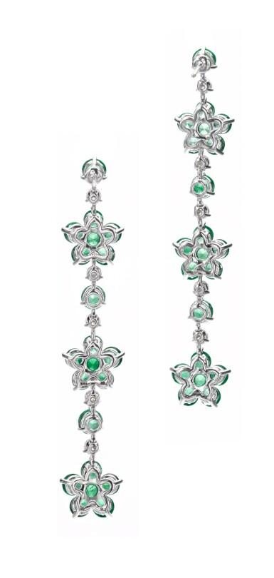 View 3. Thumbnail of Lot 713. Graff | Pair of emerald and diamond pendent earrings | 格拉夫 | 祖母綠配鑽石耳墜一對.