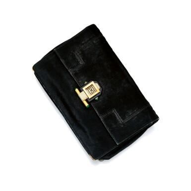 SILK SATIN CLUTCH WITH GOLD AND MALACHITE WATCH, VAN CLEEF & ARPELS, FRANCE | 絲綢緞面晚裝手袋及黃金鑲孔雀石腕錶,梵克雅寶