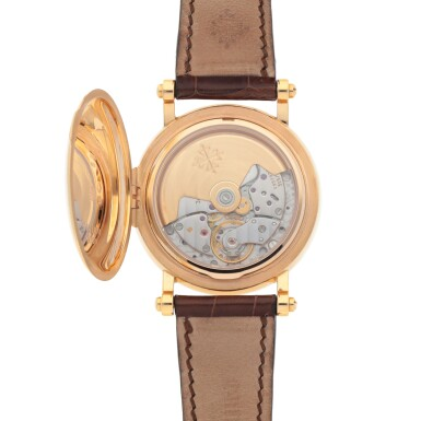 View 4. Thumbnail of Lot 548. 'Officer's Case', Ref. 5059 Pink gold perpetual calendar wristwatch with retrograde date, moon phases and leap-year indication Made in 1999 | 百達翡麗 5059型號「Officer's Case」粉紅金萬年曆腕錶備逆跳日期、月相及閏年顯示,1999年製.