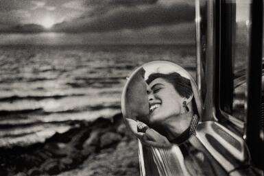 ELLIOTT ERWITT | 'CALIFORNIA KISS', SANTA MONICA, 1955