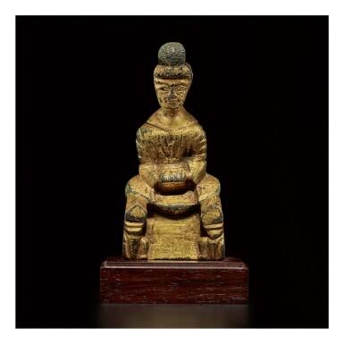 A SMALL GILT-BRONZE FIGURE OF BUDDHA,  SIXTEEN KINGDOMS PERIOD