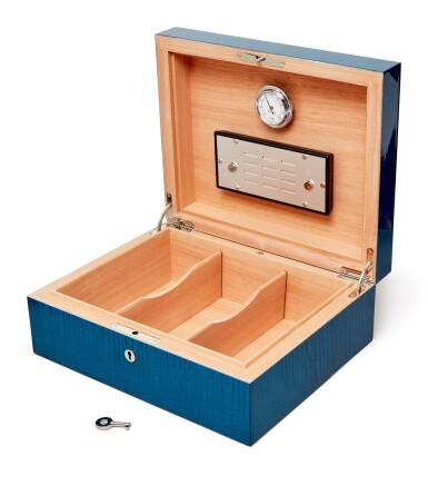 View 2. Thumbnail of Lot 1. Liu Ye 劉野 X Elie Bleu l Blue Sycamore Humidor 藍色懸鈴木雪茄盒.