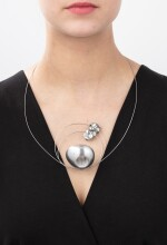 Takis, Necklace [Collier], 'Stone'