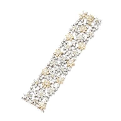 View 1. Thumbnail of Lot 15. Diamond bracelet.