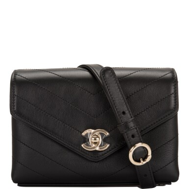 CHANEL    COCO CHEVRON DOUBLE WRAP WAIST BAG OF BLACK CALFSKIN WITH LIGHT TONE GOLD HARDWARE