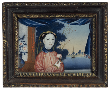 A RARE DIMINUTIVE CHINESE REVERSE GLASS PAINTING | QING DYNASTY, LATE 18TH / EARLY 19TH CENTURY | 清十八世紀末/ 十九世紀初 美人圖鏡畫