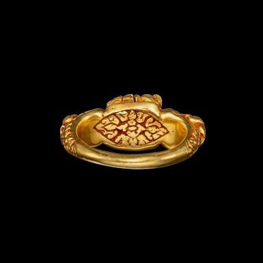 View 3. Thumbnail of Lot 1020. A gold 'Ganesha and rats' ring Khmer, Angkor period, 8th - 9th century | 八至九世紀 高棉吳哥王朝 象神及坐騎鼠紋金戒指.