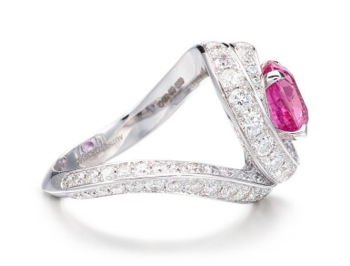 View 2. Thumbnail of Lot 1046. Pink Sapphire and Diamond Ring   格拉夫  3.13克拉 粉紅剛玉 配 鑽石 戒指 (鑽石共重約3.10克拉).