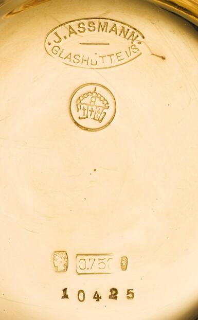 View 7. Thumbnail of Lot 47. J. ASSMANN, GLASHÜTTE   [J. Assmann,格拉蘇蒂]  | A LADY'S GOLD DECORATIVELY ENGRAVED HUNTING CASED KEYLESS LEVER WATCH MADE FOR THE SOUTH AMERICAN MARKET  CIRCA 1890, NO. 10425   [女裝黃金雕刻懷錶,為南美市場製造,年份約1890,編號10425].