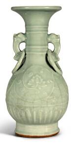 A RARE MOULDED LONGQUAN CELADON VASE YUAN DYNASTY   元 龍泉青釉牡丹紋雙耳連環瓶
