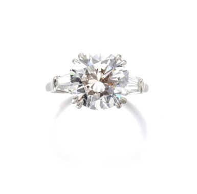 DIAMOND RING, HARRY WINSTON