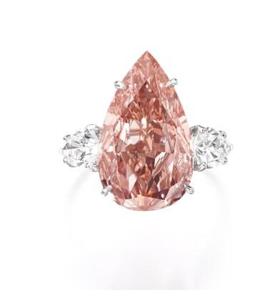 View 1. Thumbnail of Lot 156. Rare fancy vivid orangy pink diamond ring | 艷彩橙粉紅色鑽石戒指.