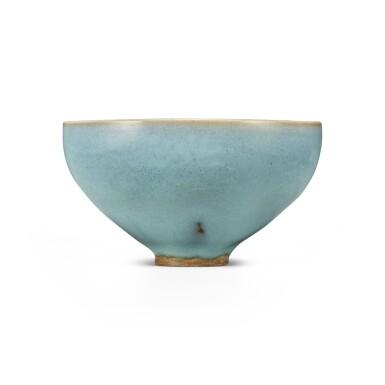 View 2. Thumbnail of Lot 193. A 'Jun' deep bowl, Northern Song / Jin dynasty | 北宋 / 金 鈞窰天藍釉盌.