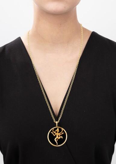 View 5. Thumbnail of Lot 132. Onyx pendant [Pendentif onyx].