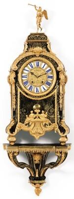 A GILT-BRONZE-MOUNTED TORTOISESHELL AND BRASS MARQUETRY CARTEL CLOCK, THE DIAL SIGNED JACQUES PANIER PARIS, LOUIS XIV, CIRCA 1710 | CARTEL D'APPLIQUE ET UNE CONSOLE EN MARQUETERIE D'ÉCAILLE ET DE LAITON ET MONTURE DE BRONZE REDORÉ, D'ÉPOQUE LOUIS XIV, LE MOUVEMENT SIGNÉ JACQUES PANIER PARIS, VERS 1710
