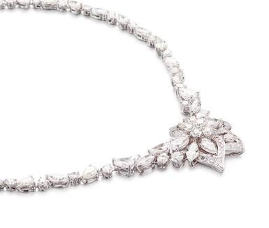 View 3. Thumbnail of Lot 1063. 'Peony' Diamond Necklace | 格拉夫| 'Peony' 鑽石項鏈 (鑽石共重約28.30克拉).