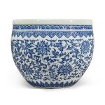 A blue and white 'floral' fishbowl, Qing dynasty, 18th century | 清十八世紀 青花纏枝蓮紋缸