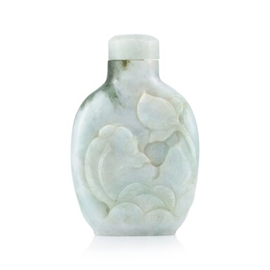 View 2. Thumbnail of Lot 3069. A Jadeite 'Fish and Lotus' Snuff Bottle Qing Dynasty, 19th Century | 清十九世紀 翡翠魚藻圖鼻煙壺.