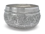 A LARGE BURMESE SILVER BOWL, LATE 19TH CENTURY