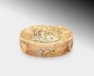 View 1. Thumbnail of Lot 220. A probably German oval three-color gold box, probably Hanau, circa 1790   Boîte ovale en or de trois couleurs, probablement Hanau, vers 1790.