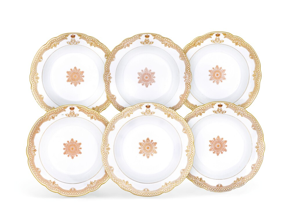 SIX PORCELAIN SOUP PLATES FROM THE FROM THE GRAND DUKE ALEXANDER ALEXANDROVICH SERVICE, IMPERIAL PORCELAIN FACTORY, ST PETERSBURG, PERIOD OF ALEXANDER III, 1889-1892