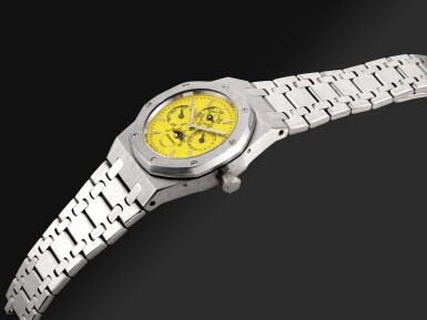 View 6. Thumbnail of Lot 201. AUDEMARS PIGUET | AN EXCEPTIONAL ROYAL OAK PERPETUAL CALENDAR, REFERENCE 25800BC WHITE GOLD PERPETUAL CALENDAR BRACELET WATCH WITH A BRIGHT YELLOW DIAL CIRCA 1996.