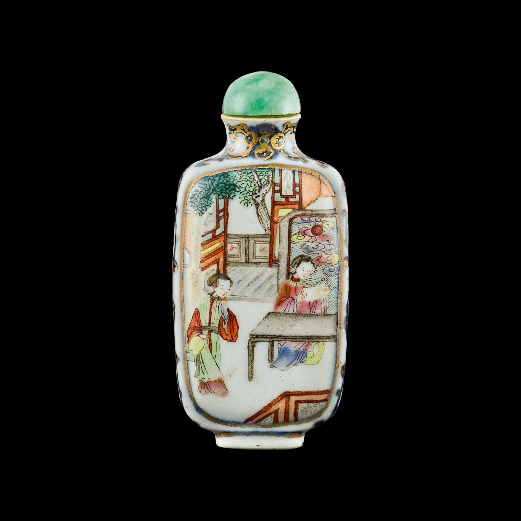 View full screen - View 1 of Lot 1040. A famille-rose porcelain 'Romance of the West Chamber' snuff bottle Seal mark and period of Jiaqing | 清嘉慶 青花描金粉彩西廂人物圖鼻煙壺 《嘉慶年製》款.