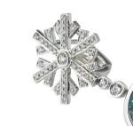 Pair of aquamarine and diamond earrings [Paire de boucles d'oreille aigues-marines et diamants]