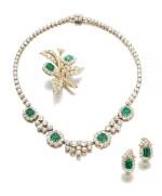 Pair of emerald and diamond ear clips, David Webb, a necklace and a brooch | David Webb 祖母綠配鑽石耳環一對,項鏈及別針各一