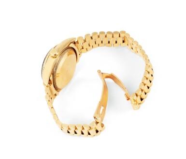 View 3. Thumbnail of Lot 77. Rolex | Montre bracelet de dame or et malachite | Gold and malachite lady's bracelet watch.