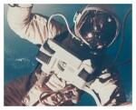 [GEMINI 4] FIRST AMERICAN SPACEWALK. VINTAGE COLOR PHOTOGRAPH, 3 JUNE 1965.