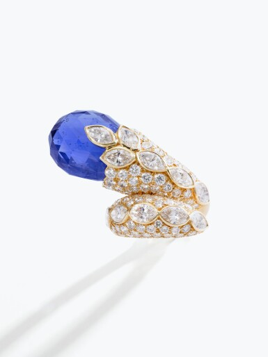 View 4. Thumbnail of Lot 145. Van Cleef & Arpels | Sapphire and diamond ring, 1982 | 梵克雅寶 | 藍寶石配鑽石戒指,1982年.