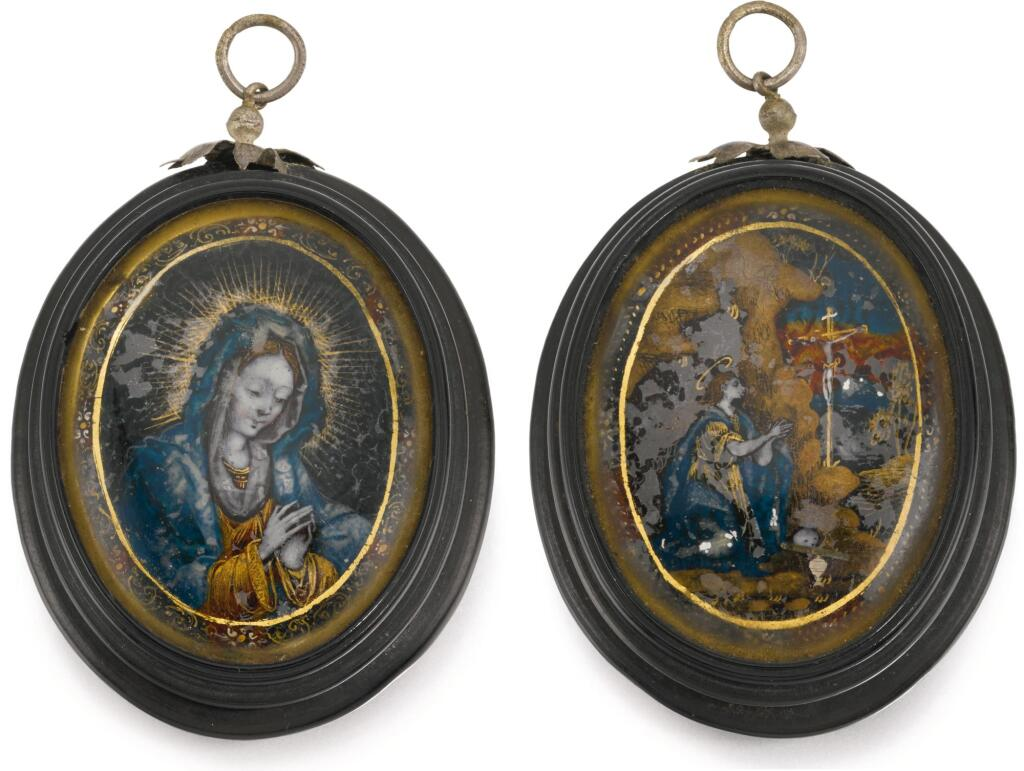 PROBABLY SPANISH OR PORTUGUESE, EARLY 18TH CENTURY | Oval Pendant Box with Miniatures of the Virgin and Mary Magdalene adoring the Crucifix