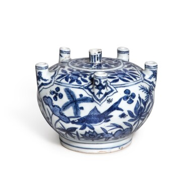 View 1. Thumbnail of Lot 85. A rare blue and white multi-spouted 'fish' vase, Mark and period of Jiajing | 明嘉靖 青花魚藻紋六管花插 《大明嘉靖年製》款.