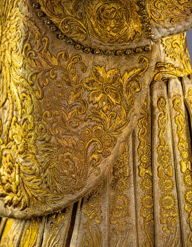 GUO PEI | GOLD CHINESE TRADITIONAL BRIDAL DRESS