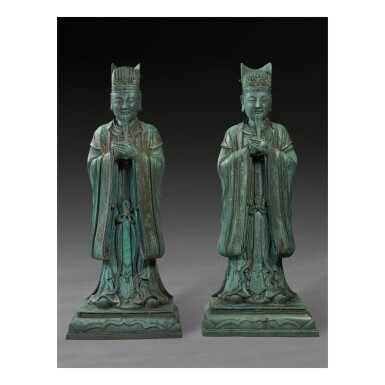 AN EXTREMELY RARE AND LARGE PAIR OF BRONZE FIGURES OF DAOIST OFFICIALS, MING DYNASTY, 16TH / 17TH CENTURY