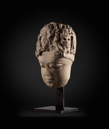 View 2. Thumbnail of Lot 243. A monumental buff sandstone head of a Devi North India, 9th-10th century | 印度北部 九至十世紀 砂岩雕提毗首.