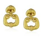 DAVID WEBB | PAIR OF GOLD EARCLIPS