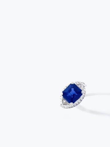 View 4. Thumbnail of Lot 159. Fine Sapphire and diamond ring   藍寶石配鑽石戒指.