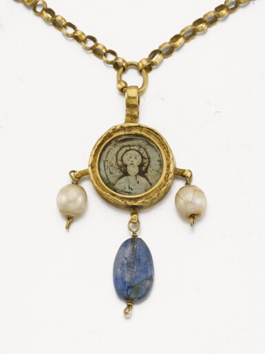 BYZANTINE, 6TH CENTURY AND LATER | NECKLACE WITH A PENDANT OF GOD THE FATHER